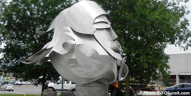 Neptune-statue-centre-ville-Salaberry-de-Valleyfield-Photo-INFOSuroit