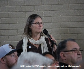 Rigaud rencontre citoyenne 25 octobre periode de questions Photo INFOSuroit_com-Jeannine_Haineault