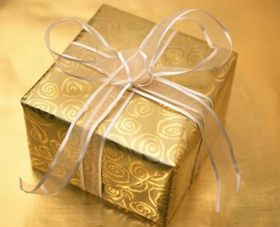 Cadeau-Noel-temps-des-Fetes-image-CPA-publiee-par-INFOSuroit_com