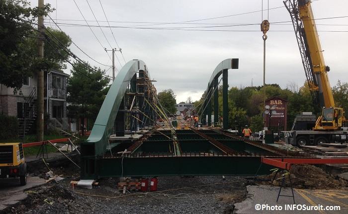 Pont-du-Centenaire-en-construction-a-Ormstown-Photo-INFOSuroit_com