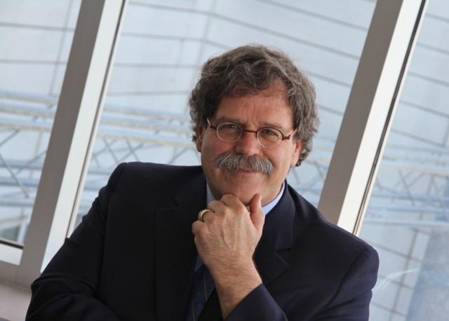 Jacques_Nantel-conferencier-Grands-chantiers-citoyens-Chateauguay-photo-courtoisie-publiee-par-INFOSuroit_com