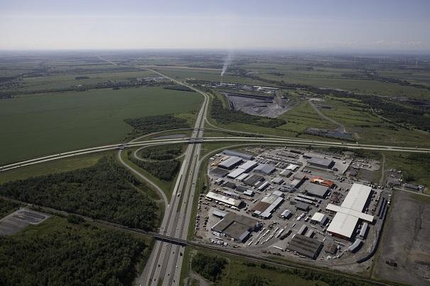 Carrefour-autoroutes-15-et-30-photo-courtoisie-publiee-par-INFOSuroit_com