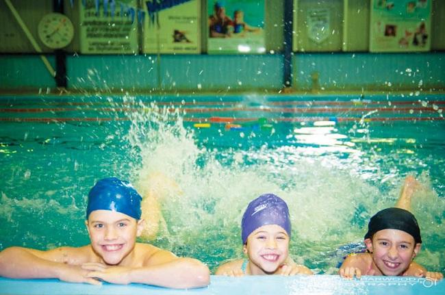 Relache-scolaire-Polydium-Chateauguay-baignade-enfants-photo-courtoisie-publiee-par-INFOSuroit_com