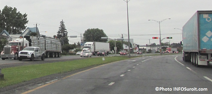 camions sur boulevard Monseigneur-Langlois a Valleyfield Photo INFOSuroit_com