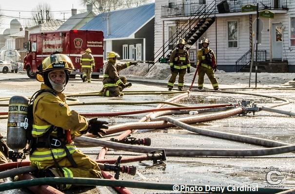 Incendie a St-Stanislas-de-Kostka pompiers en manque d eau Photo Deny_Cardinal