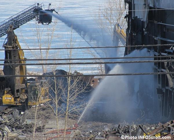 Incendie usine Kruger sur route 132 Beauharnois Photo INFOSuroit_com