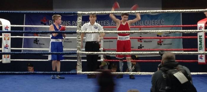 Jeux du Qc Boxe Jesse_Bulett gagne l or Photo delegation du Sud-Ouest