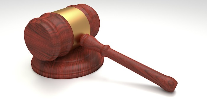 justice marteau maillet juge cour Photo Pixabay via INFOSuroit
