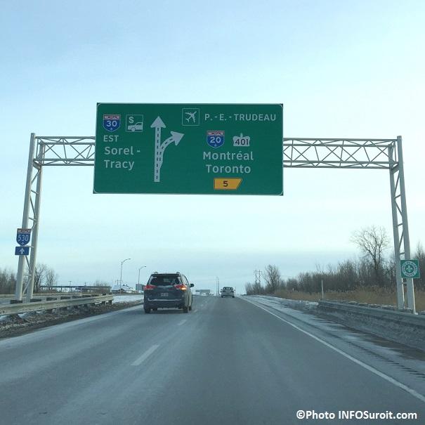 Autoroute 30 panneau de signalisation pres de la 20 Photo INFOSuroit_com