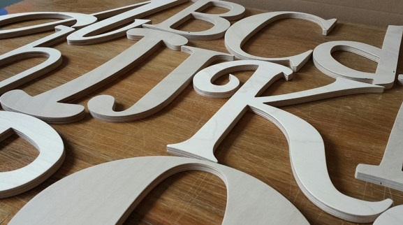 Atelier-de-la-Vallee des lettres en bois Photo courtoisie Jesse_Roskies