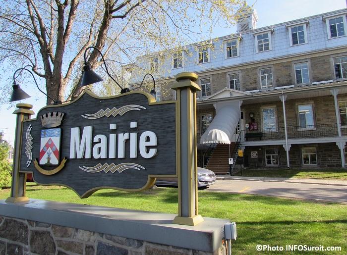 Chateauguay enseigne mairie et hotel de ville Photo INFOSuroit_com