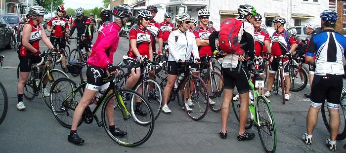 Cyclistes-Club-de-velo-Jonquiere-a-Valleyfield-photo-courtoisie-publiee-par-INFOSuroit_com.jpg