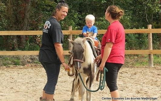Ecuries MarjoLeger Havelock cours intitiation pour enfants de 3 a 10 ans Photo courtoisie EML