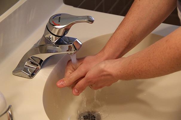 Robinet-eau-potable-photo-courtoisie-publiee-par-INFOSuroit_com