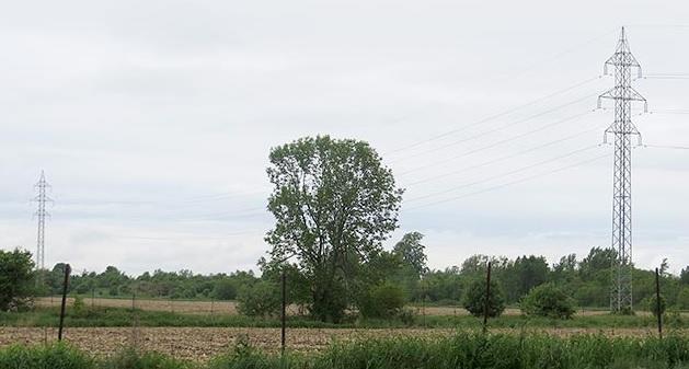 ligne haute tension dans Vaudreuil-Soulanges pylones existants Photo Hydro-Quebec