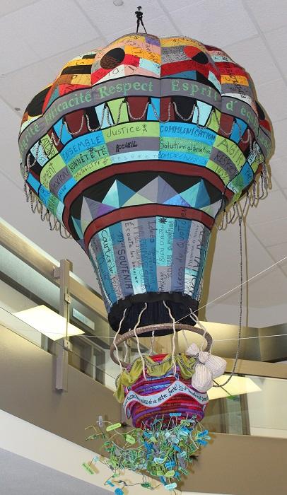 montgolfiere de l artiste Tina_Struthers sur mission et valeurs Vaudreuil-Dorion Photo VD
