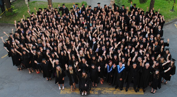 Gradues-etudiants-diplomes-Photo-courtoisie-College-de-Valleyfield