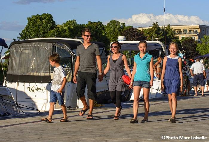 famille DestinationValleyfield quai du Vieux canal Photo Marc_Loiselle via Tourisme_Suroit