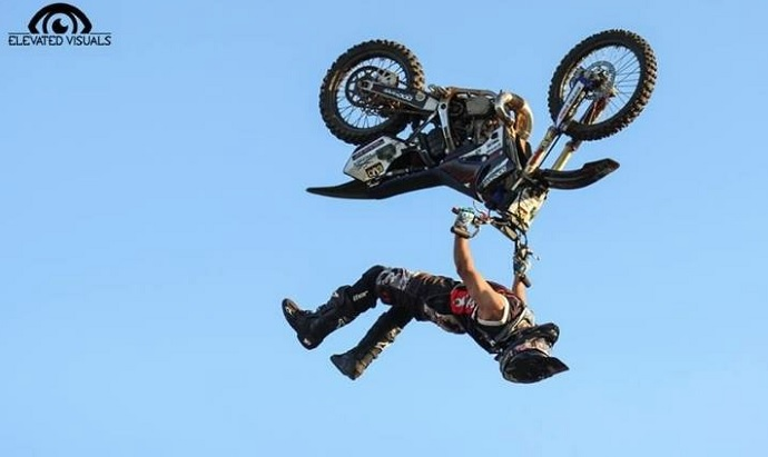 freestyle motocross USA FMX spectacle aerien a venir aux Regates Photo Elevated Visuals via Regates de Valleyfield