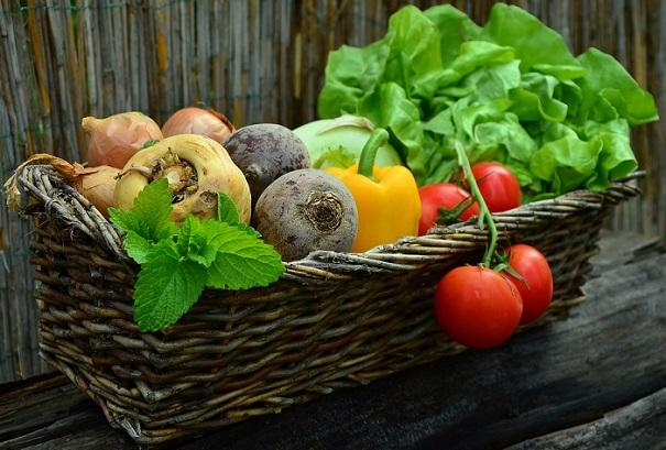 legumes tomates oignons piments salade panier Photo Pixabay