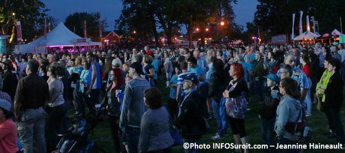 Assistance spectacle 3 juillet Regates de Valleyfield Photo INFOSuroit_com-Jeannine_Haineault