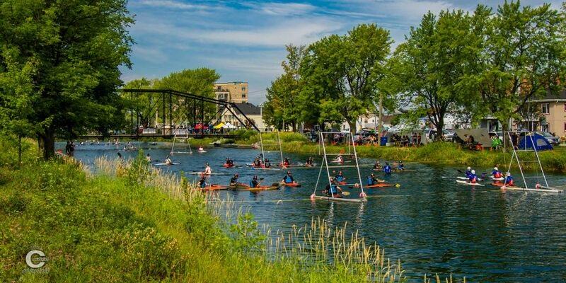 Championnat-canadien-canoe-polo-Valleyfield-pont-Jean_De-la-Lande-photo-Deny_Cardinal-publiee-par-INFOSuroit_com