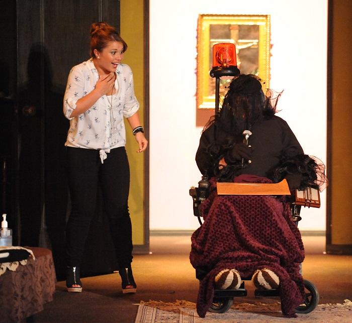 La-vieille-demoiselle-theatre-Fracas-Chateauguay-2015-photo-Caroline_Laberge-publiee-par-INFOSuroit_com