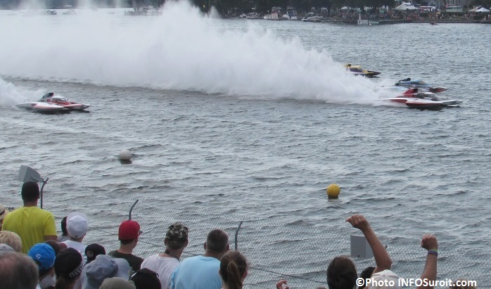 Regates de Valleyfield 2015 course classe GrandPrix hydroplanes et spectateurs Photo INFOSuroit_com