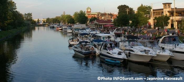 ambiance-centre-ville-Valleyfield-Vieux-canal-bateaux-Photo-INFOSuroit_com-Jeannine_Haineault