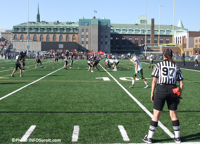Football Noir_et_Or du College de Valleyfield en action Photo INFOSuroit_com