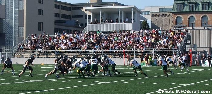 Football Noir_et_Or du College_de_Valleyfield joueurs en action Photo INFOSuroit_com
