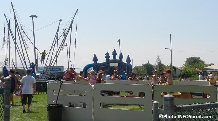 jeux gonflables enfants poney bungee Fete des Moissons Photo INFOSuroit_com