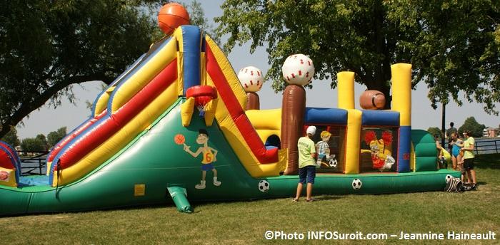 pique-nique-au-parc-Sauve-Valleyfield-jeux-Photo-INFOSuroit_com-Jeannine_Haineault