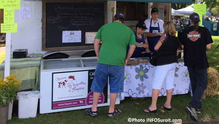 Beauharnois fete gourmande degustations kiosque Biquettes a Flopine Photo INFOSuroit_com