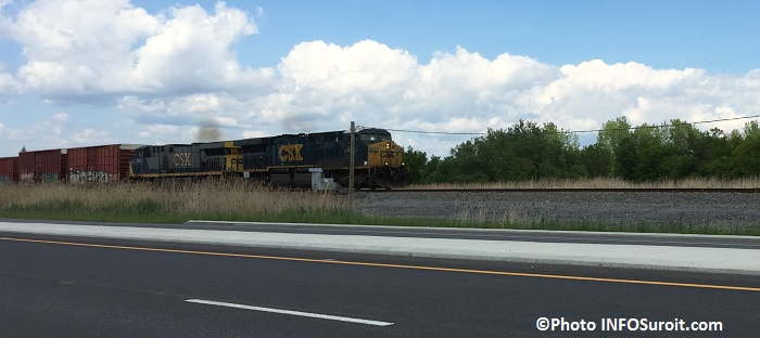 CSX train sortant gare intermodale a Valleyfield Photo INFOSuroit_com