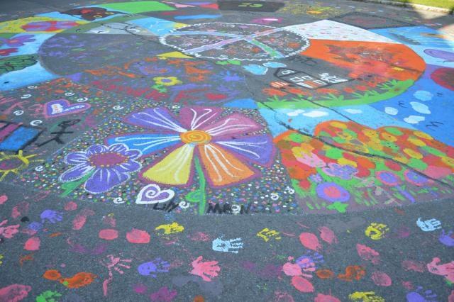 Journees de la Culture Mandala geant dans la rue a Ormstown Copyright Photo MRC Haut-Saint-Laurent