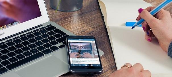 Ordinateur-cellulaire-notes-entrepreneur-photo-Pixabay-publiee-par-INFOSuroit_com