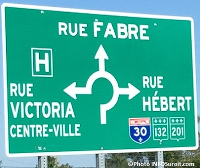 carrefour giratoire Valleyfield signalisation rue Victoria, A30 et 132 et 201 Photo INFOSuroit