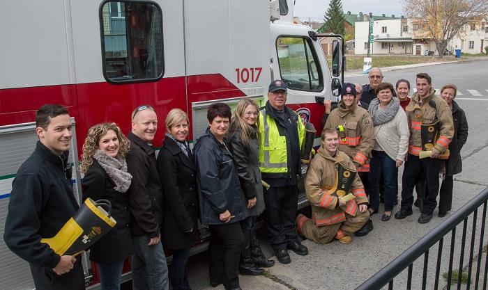 pompiers Beauharnois pour barrage Fondation Anna-Laberge 2014 Photo courtoisie FAL