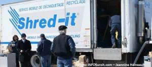 shred-it-operation-dechiquetage-dans-le-Suroit-Photo-INFOSuroit_com-Jeannine_Haineault