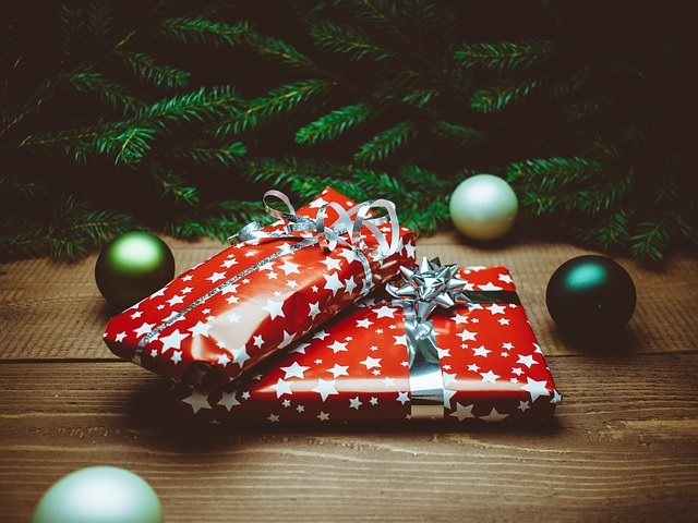 Cadeaux-Noel-presents-photo-pixabay-publiee-par-INFOSuroit-com