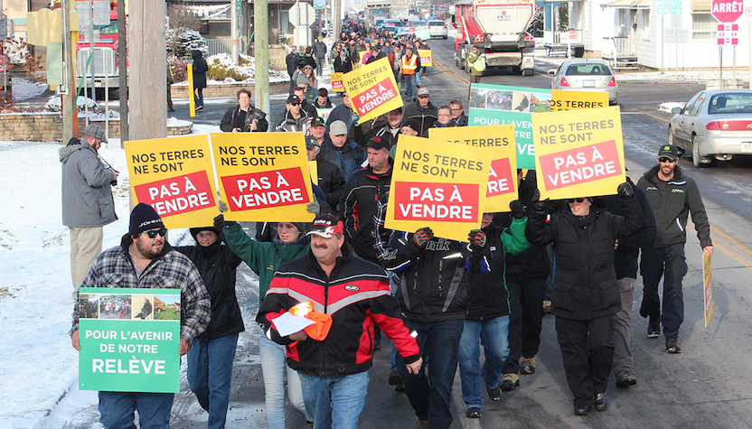 manifestants du milieu agricole a St-Clet dans Vaudreuil-Soulanges Photo UPA