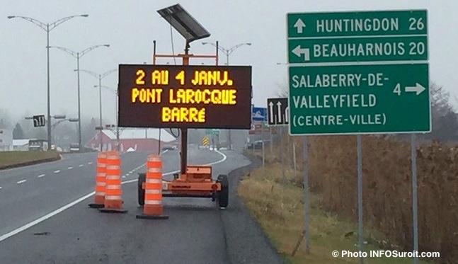 Panneau-affichage-annonce-fermeture-pont-Larocque-Photo-INFOSuroit_com