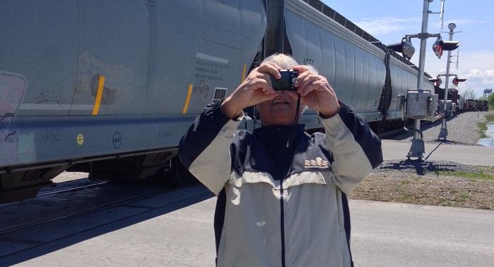 Pierre-Paul_Messier ex-conseiller municipal a Valleyfield prend des photos Photo courtoisie