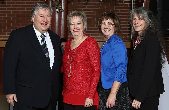 Soiree reconnaissance Valleyfield le maire avec 3 des retraites de 2015 Photo courtoisie