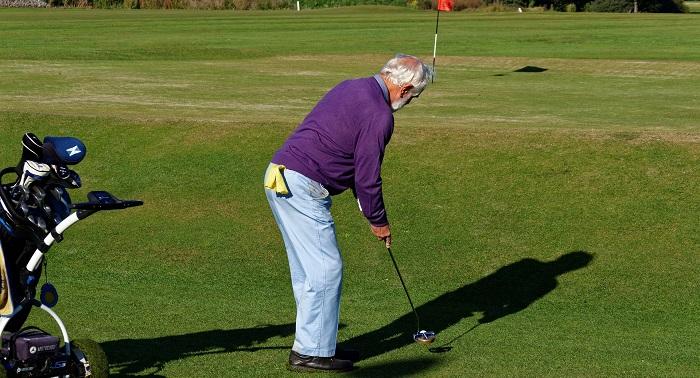 golf golfeur vert debut saison fin de saison Photo Pixabay via INFOSuroit
