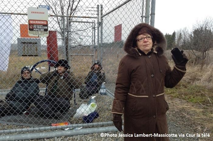 manifestants-Endbrige-pipeline 9b-et-Patricia-Domingos-Photo-Jessica_Lambert-Massicotte-via-Csur_la_tele-publiee-par-INFOSuroit