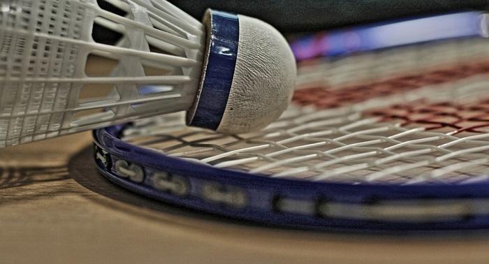 Badminton-raquette-image-pixabay-publiee-par-INFOSuroit_com