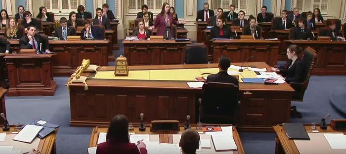 Forum etudiant Assemblee nationale du Qc session en chambre extrait YouTube