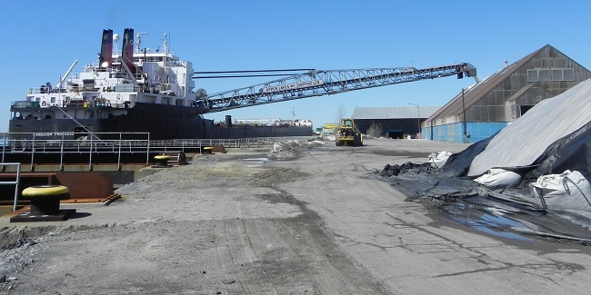 Port de Valleyfield navire livre vrac transbordement marchandises Photo courtoisie SPV
